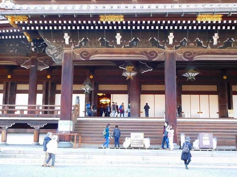 参詣客が絶えない「東本願寺」20161203_e0237645_14401850.jpg