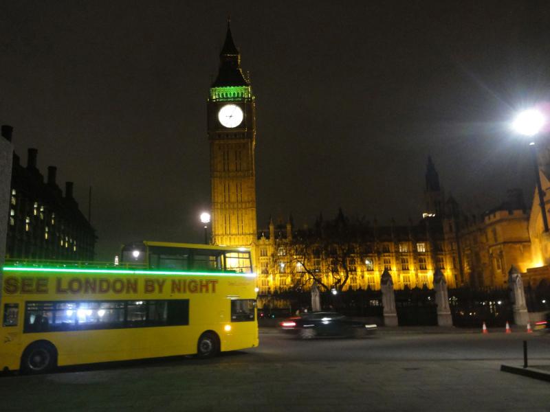 ロンドン 6  ナイトバスツアー_a0092659_18482304.jpg