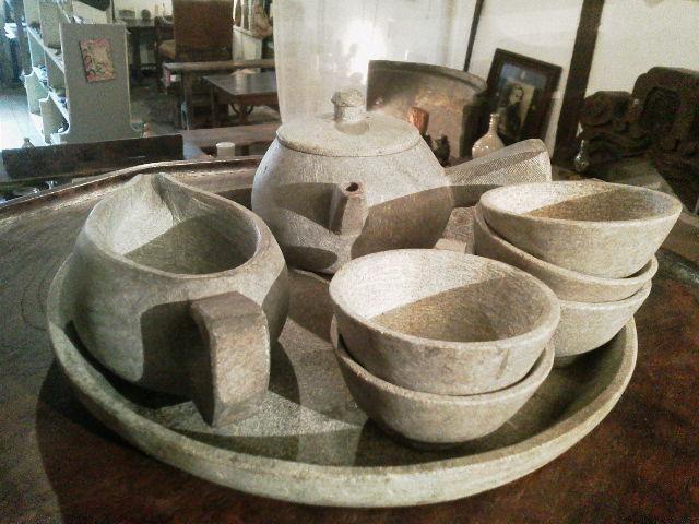 石の茶器(急須とお盆)_e0350308_7513810.jpg