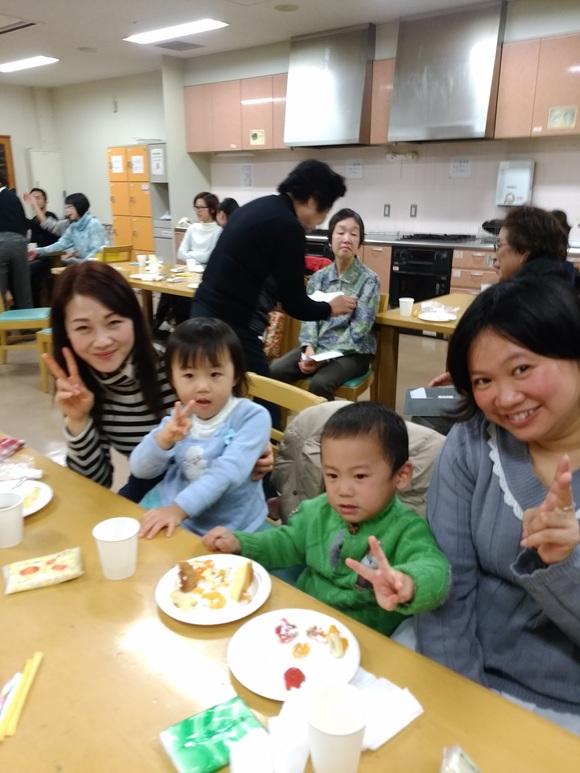火曜日朝教室 クリスマスパーティ_e0175020_11374993.jpg