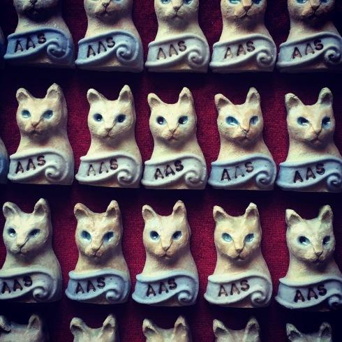 自作猫フェーヴ入りのガレットデロワ、明日から販売されます🐱@都立大学駅アディクト オ シュクル_a0137727_17220311.jpg