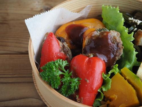 カラーピーマンの肉詰め (料理・お弁当部門)_c0270834_8264164.jpg