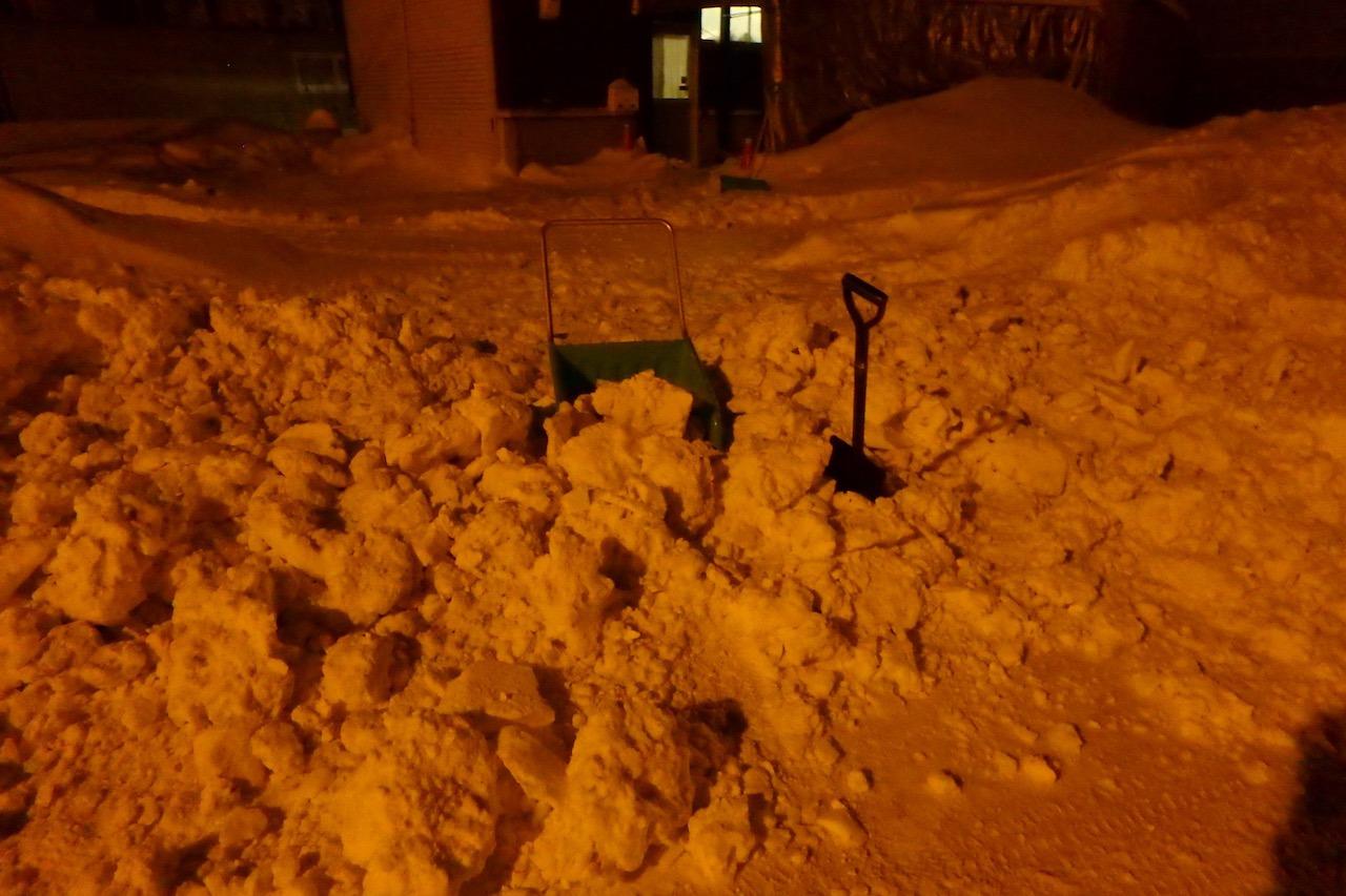 僕たちの雪かき戦争2016_e0159646_2504362.jpg