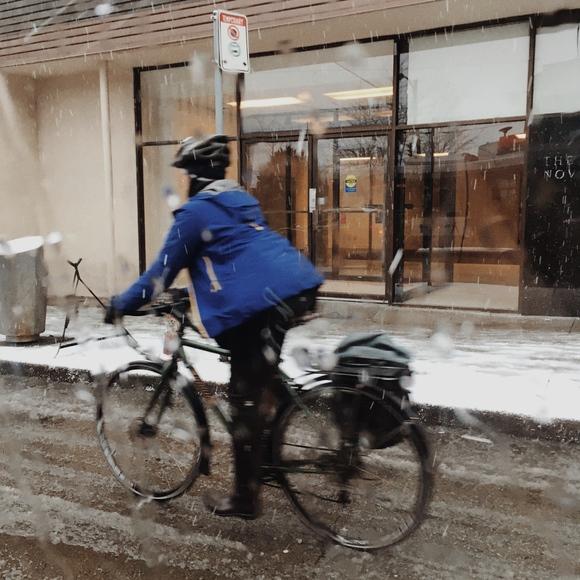 今日もバンクーバーは大雪!_d0129786_15152672.jpg