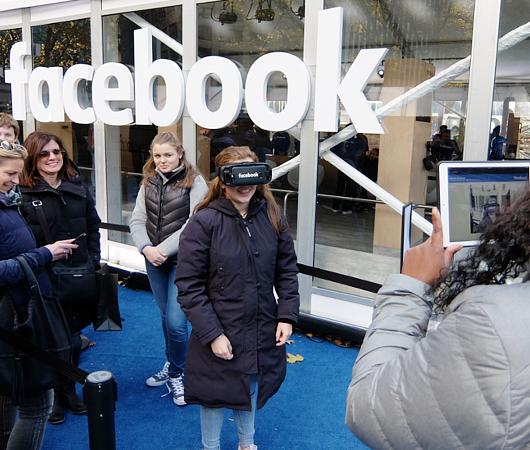 フェイスブックのVR体験コーナーがブライアント・パークに登場 #WinterVillage_b0007805_0315359.jpg
