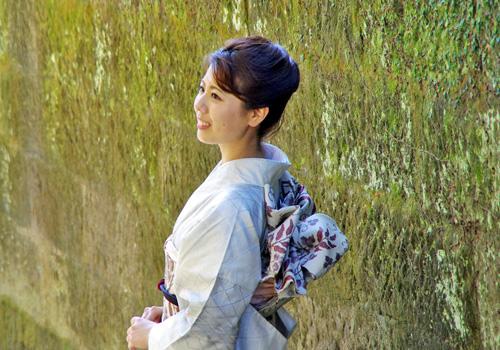 2016大島紬クイーン友原千波より皆様へメッセージ _c0315907_1352982.jpg