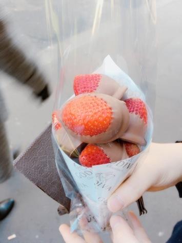 パリ2日目!「歩く、買う、食べる!!」_f0141419_13510503.jpg