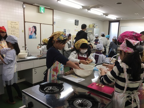 花園小学校地区「和三盆体験会」_c0227958_07535194.jpg