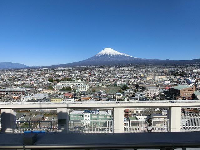 明日10時にスタート! 着々と準備が進む富士山女子駅伝_f0141310_844524.jpg