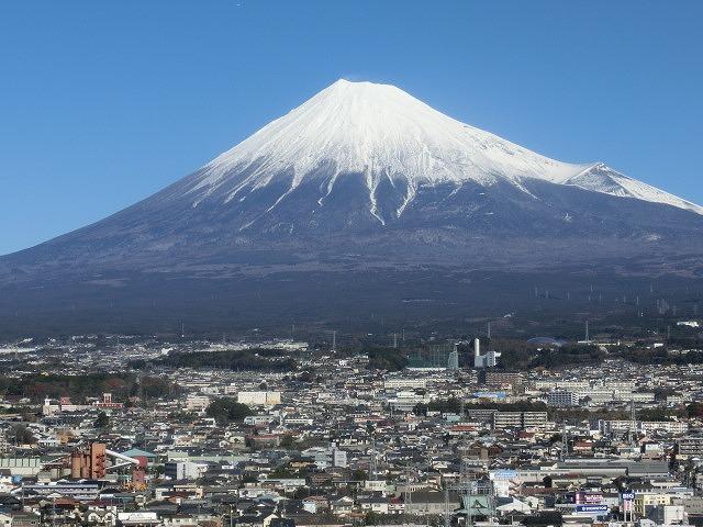 明日10時にスタート! 着々と準備が進む富士山女子駅伝_f0141310_845463.jpg