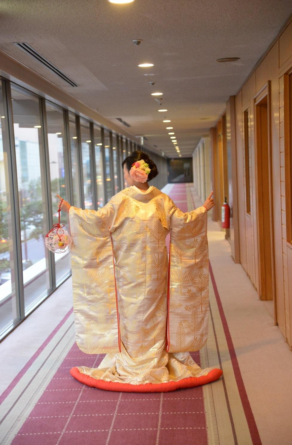 新郎新婦様からのメール 帝国ホテルの花嫁さまより 和装の手まりボールブーケ_a0042928_18594523.jpg
