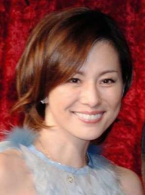 米倉涼子 協議離婚成立「私事でお騒がせしました」 _b0064113_1619353.jpg