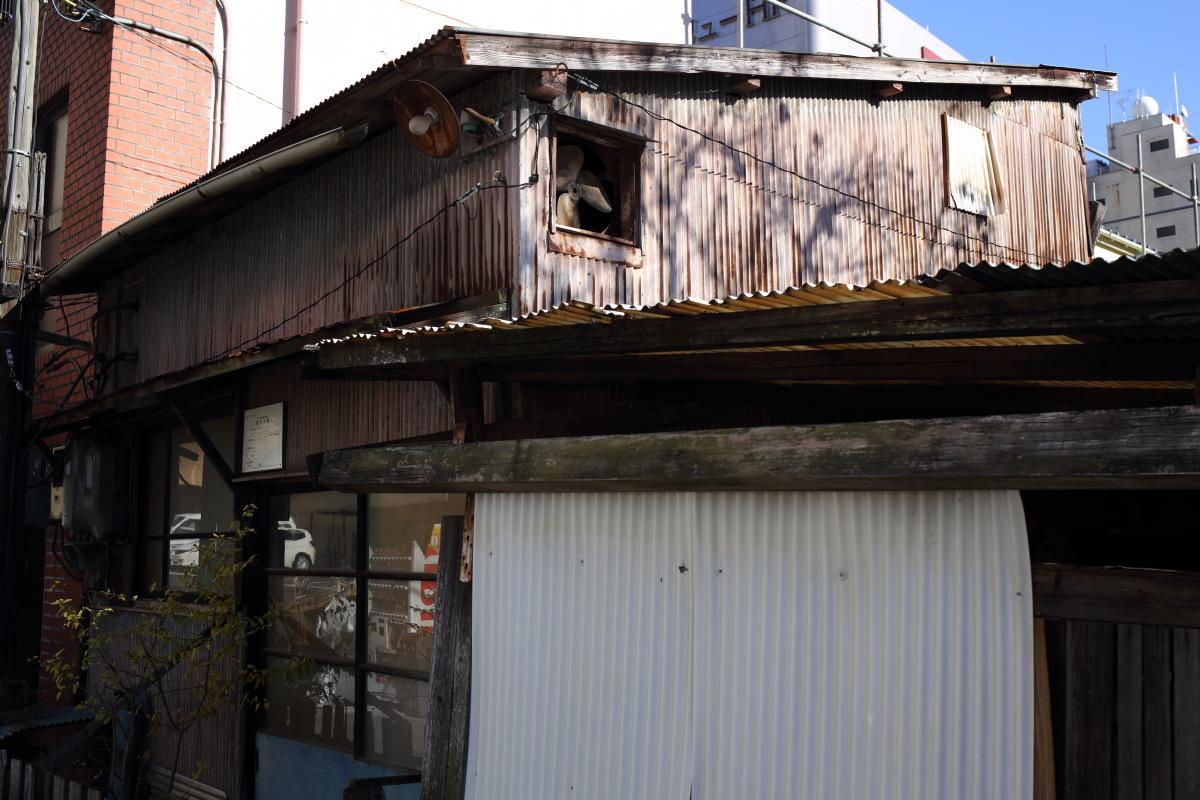 千駄ケ谷  カメラおやじ、戦前のタバコ屋に涙する_b0061717_2015296.jpg