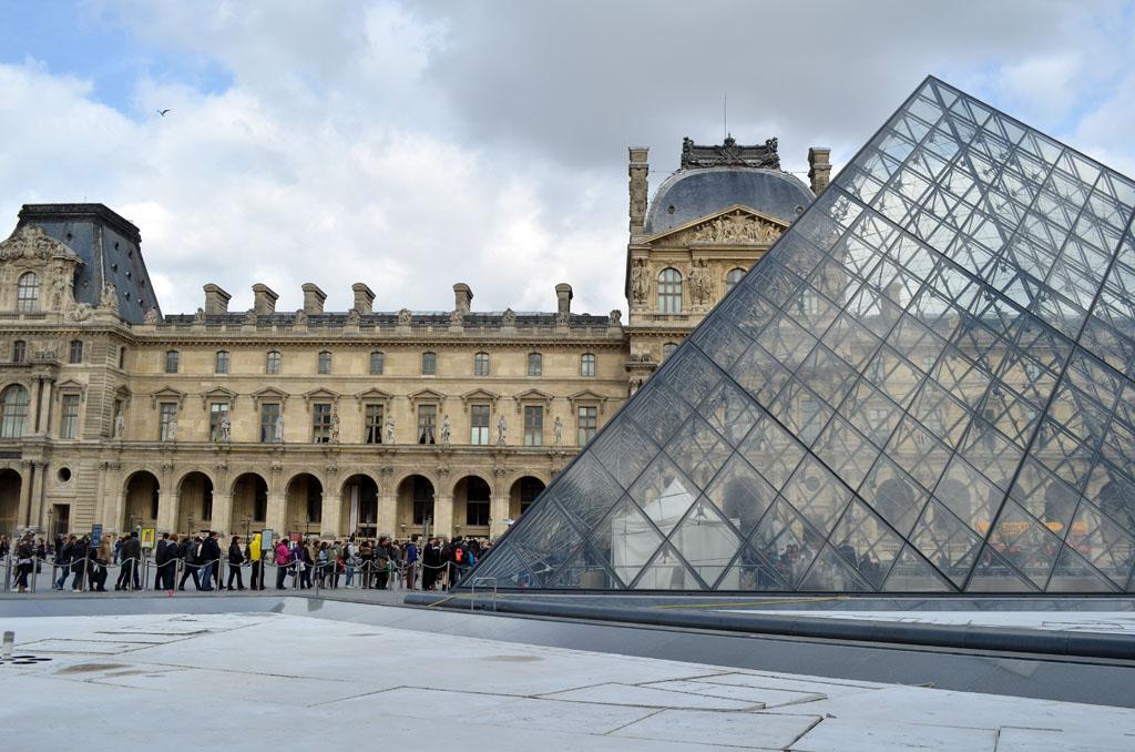 パリは燃えているか_e0186438_22362976.jpg