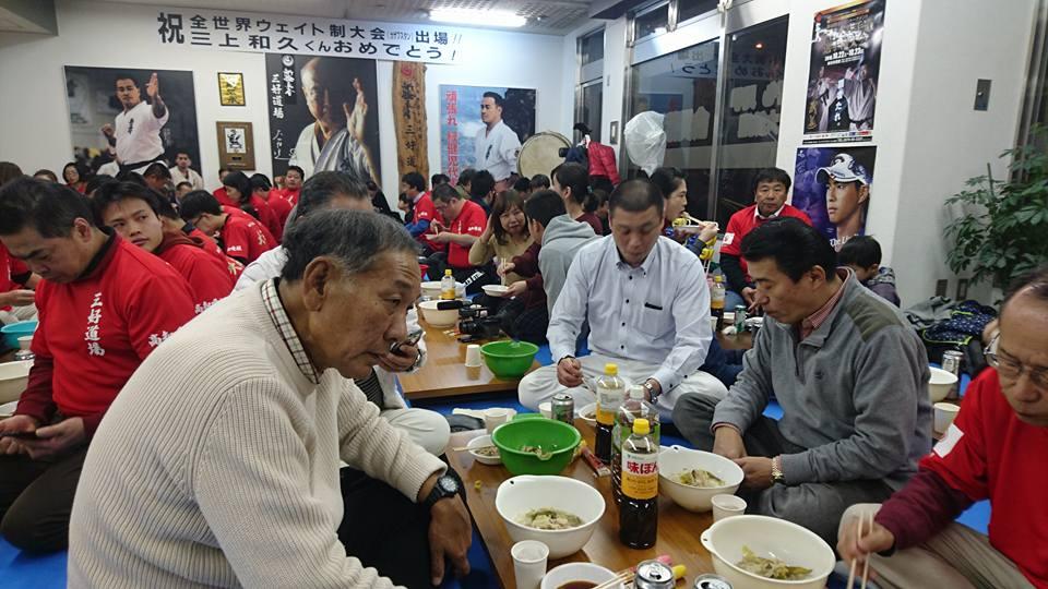 中谷元会長(衆議院議員 前防衛大臣)を迎えて、第82回鳥の水炊き会盛大に開催!_c0186691_17181235.jpg