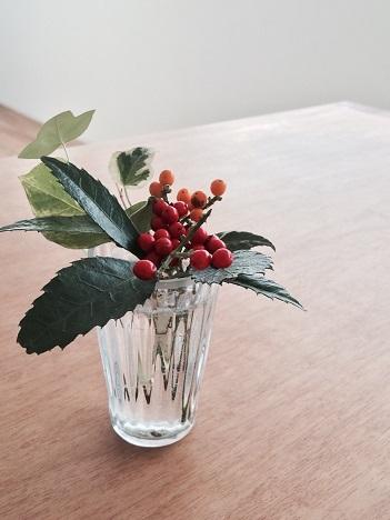 仕事始めー小さな花器+1月の枝物_f0206741_23143461.jpg