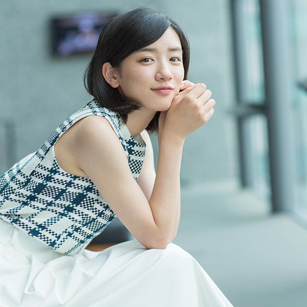 ファッションモデルの浅野杏奈さん