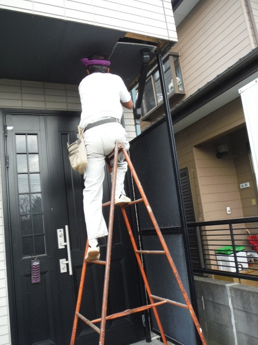 塗り替えとバルコニー補修 ~ 雨漏り確認と対応。_d0165368_07333195.jpg