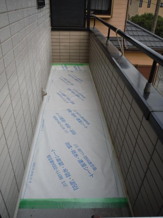 塗り替えとバルコニー補修 ~ 雨漏り確認と対応。_d0165368_07354047.jpg