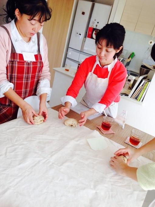 【開催報告】クリスマスを楽しもう♡マンデルシュトーレン&ルーマニア料理教室_d0226963_21123004.jpg