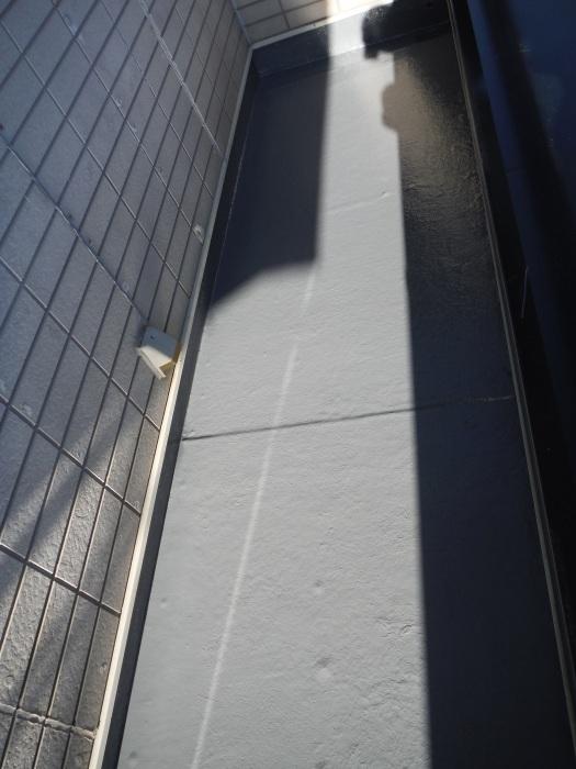 塗り替えとバルコニー補修 ~防水工事 _d0165368_08063732.jpg