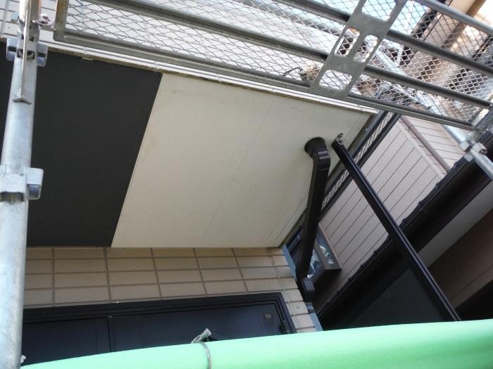 塗り替えとバルコニー補修 ~壁中の雨漏り状況。_d0165368_05260032.jpg