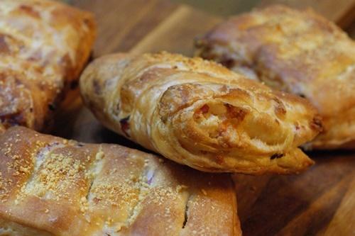 今年初めて焼いたパンは・・・_f0103755_00121026.jpg