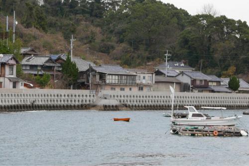 海界の村を歩く 瀬戸内海 安居島(愛媛県)_d0147406_08431487.jpg