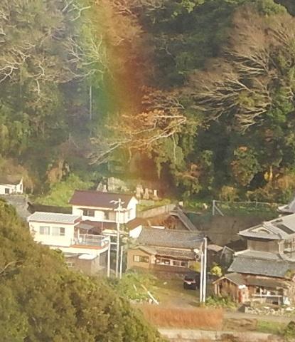 虹の立つ家_e0077899_11525156.jpg