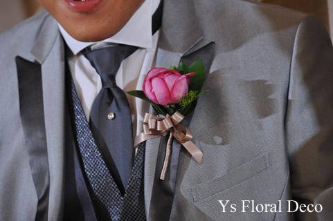 鮮やかなピンクのクラッチブーケ 白いウェディングドレスに_b0113510_20432733.jpg