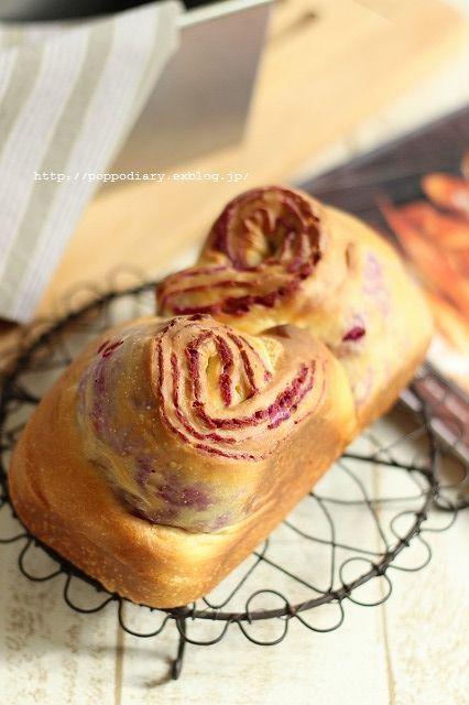 紫芋の折込パン(パン・スイーツ部門)_a0134594_14160840.jpg