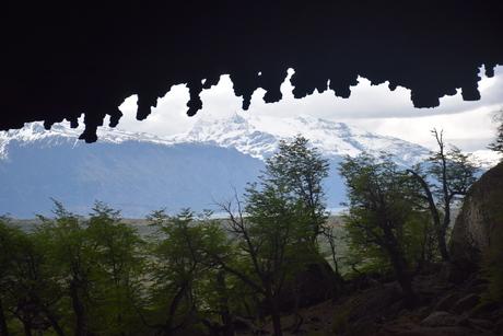 2016年11月17日1万5千年前の恐竜ミロドンMilodonが発見された洞窟の見学へ_c0242406_1213830.jpg
