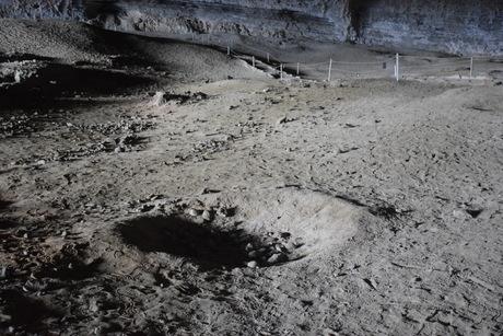 2016年11月17日1万5千年前の恐竜ミロドンMilodonが発見された洞窟の見学へ_c0242406_12222270.jpg