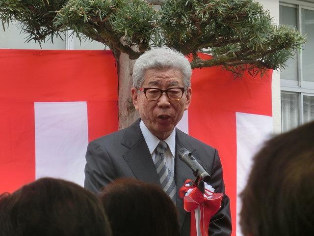 「まだまだこれからだ!」 母校の大先輩・戸塚洋二先生顕彰碑の除幕式_f0141310_7482675.jpg