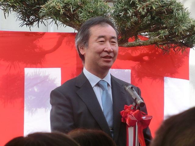 「まだまだこれからだ!」 母校の大先輩・戸塚洋二先生顕彰碑の除幕式_f0141310_7483721.jpg
