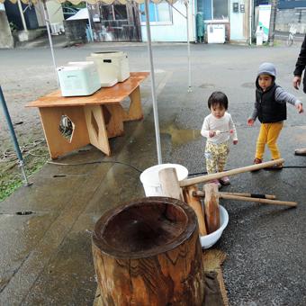 稲田堤の家の近くで「どんと焼き」_c0195909_1514622.jpg