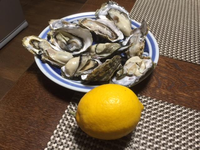 大浦浜の牡蠣と自家製レモン♬_a0077071_1817482.jpg