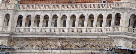 フィレンツェのクーポラに見られる『コオロギの虫かご』_a0136671_111859.jpg