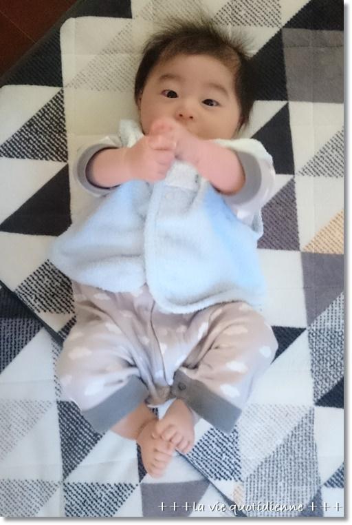 生後3ヶ月:完母☆授乳回数は5回が理想みたい_a0348473_08464046.jpg