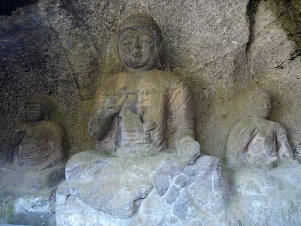 初詣は国宝指定の臼杵石仏_f0232994_11133858.jpg