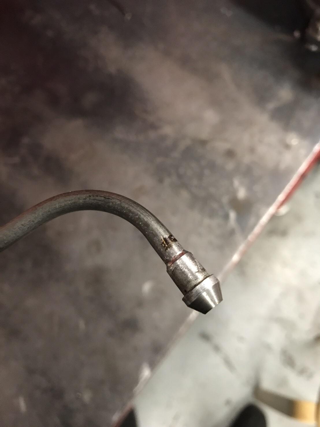 オイルライン修理_e0354647_11072123.jpg