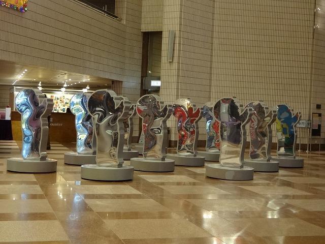 香港文化中心(HKカルチャーセンター)の飾り物 (海外旅行部門)_b0248150_15402742.jpg