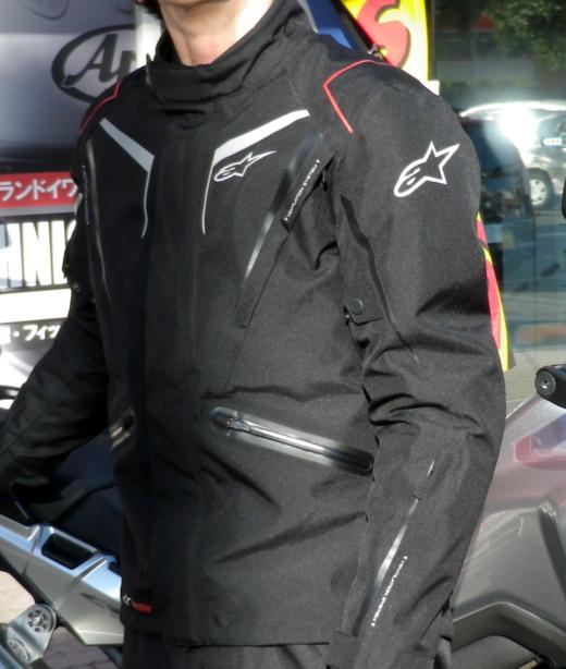 スタッフ佐々木、アルパインスターズのジャケットを買った。_b0163075_11534391.png