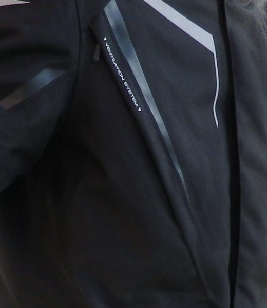 スタッフ佐々木、アルパインスターズのジャケットを買った。_b0163075_11555688.png
