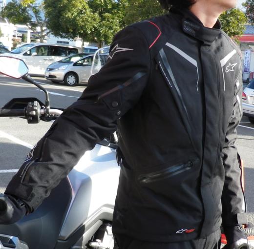 スタッフ佐々木、アルパインスターズのジャケットを買った。_b0163075_1312540.png