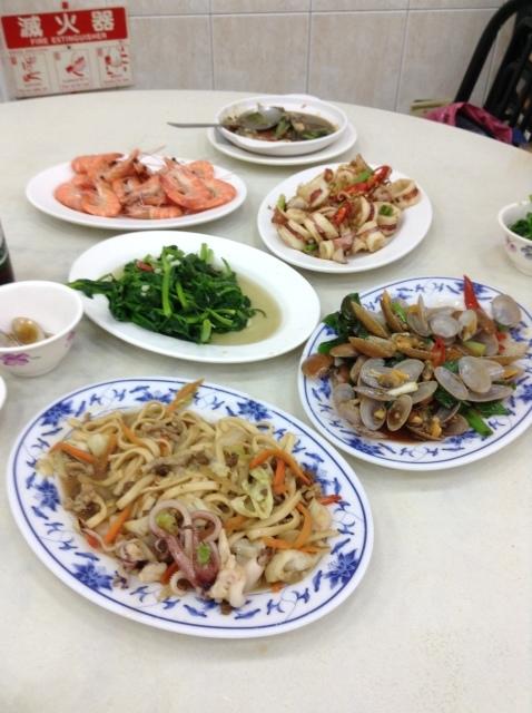 台湾高雄旗津で海鮮を喰らう。_a0334793_08304119.jpg