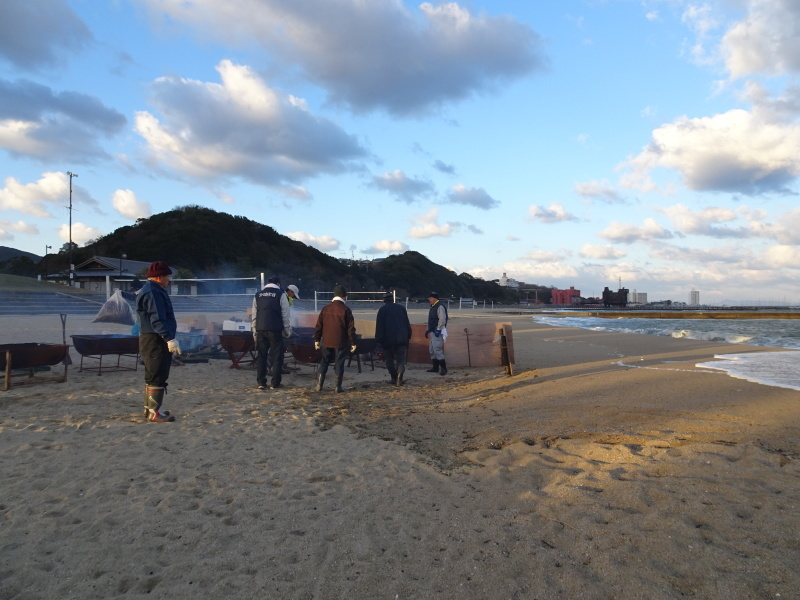 寒風の中「とんど」は燃えた!・・・せんなん里海公園  by  (TATE-misaki)_c0108460_21195372.jpg