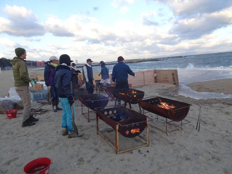 寒風の中「とんど」は燃えた!・・・せんなん里海公園  by  (TATE-misaki)_c0108460_21232966.jpg