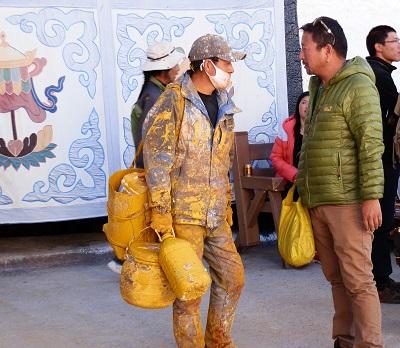 チベットの旅 そのⅢ_a0075589_1137436.jpg
