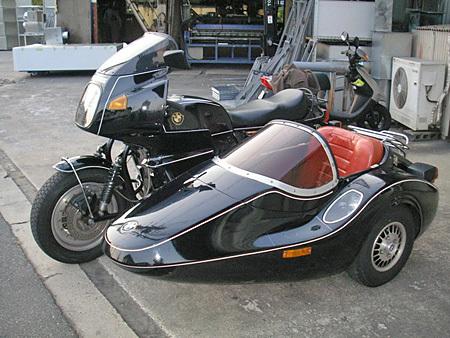 お勧めのサイドカー BMW R100RS+クマガヤ(黒)_e0218639_21334687.jpg